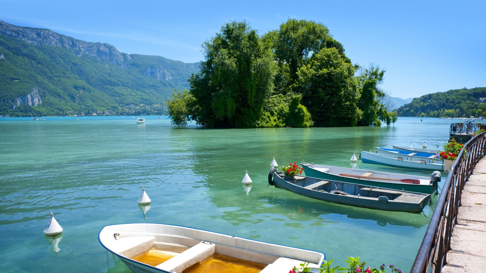 Boat Lake Annecy